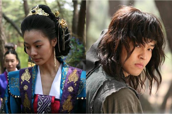 <벽루천>에서 선덕여왕과 자귀 역을 맡은 윤소이와 김정훈